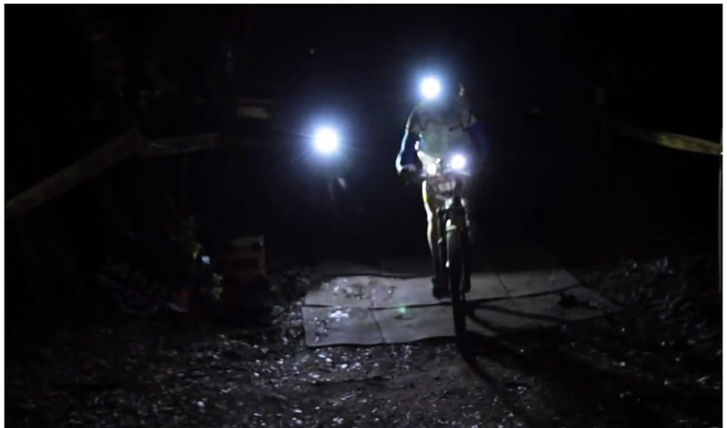 La night ride della 24 ore di finale ligure